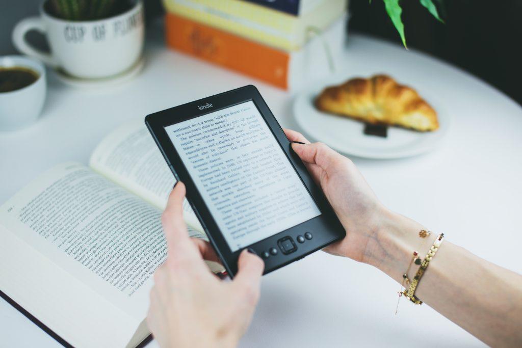 ¿Cómo crear un ebook para tu curso e-learning con canva?